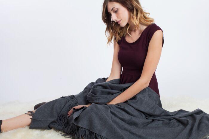 JENNIE LIU 100% Pure Cashmere Throw Blanket-Charcoal