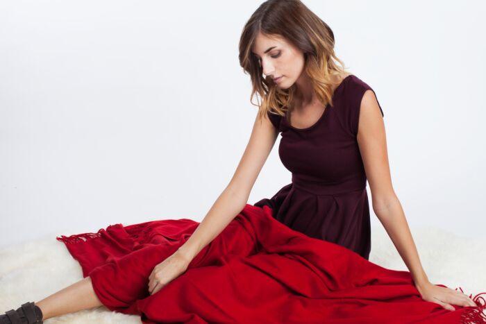 JENNIE LIU 100% Pure Cashmere Throw Blanket-Red
